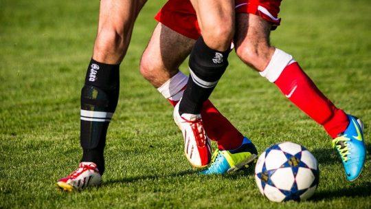 Mød andre danskere til lørdagens fodboldkamp