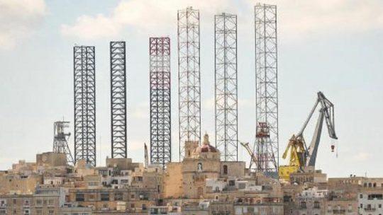 Olierigge ved Grand Harbour fjernes inden udgangen af april